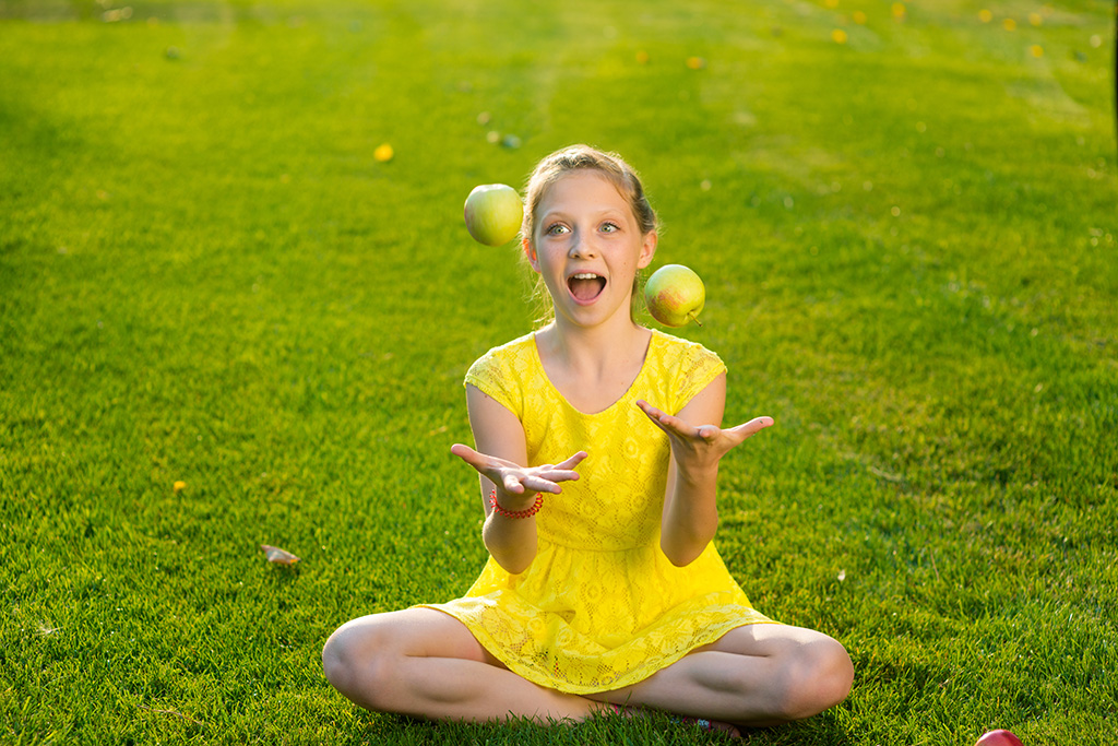 Juggling as a therapeutic aid
